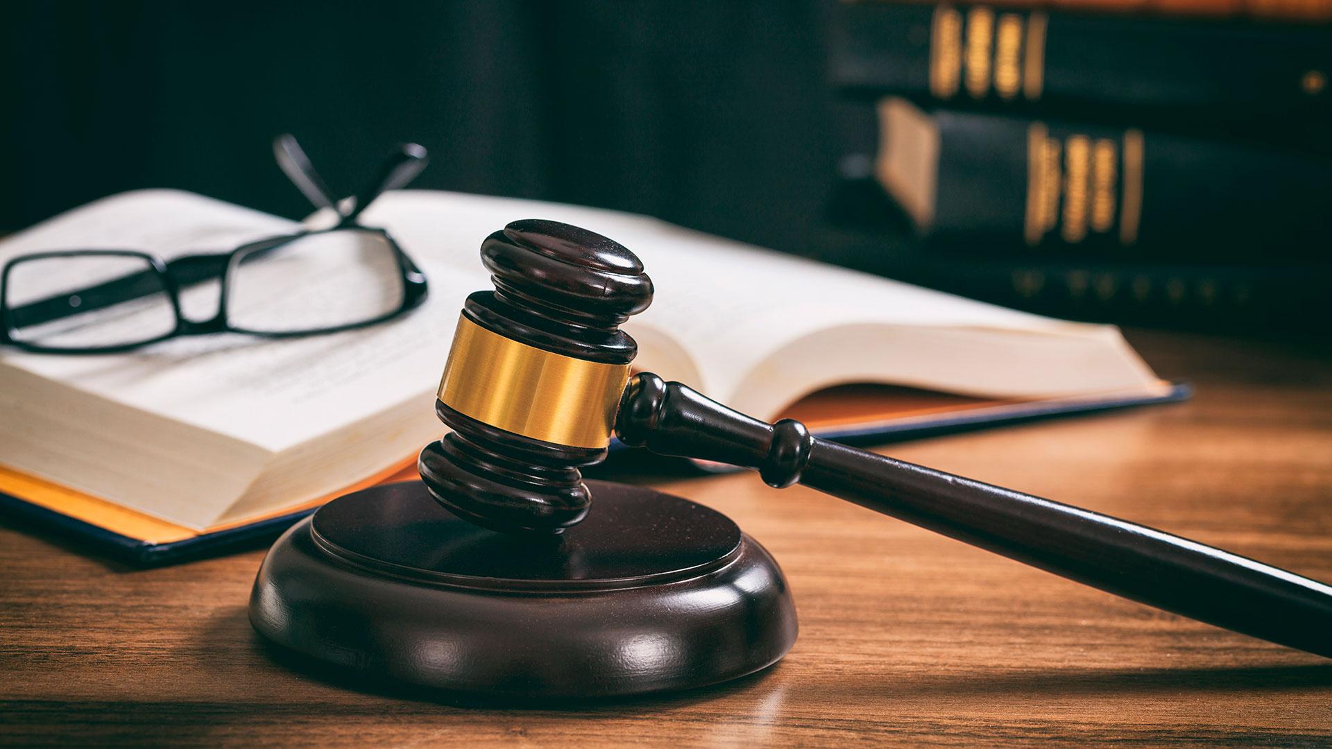 Commercial Litigation Law Firm